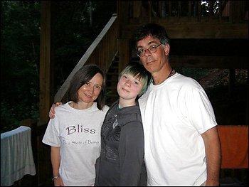 Left to right: Kia, Naomi and Alan Scherr.